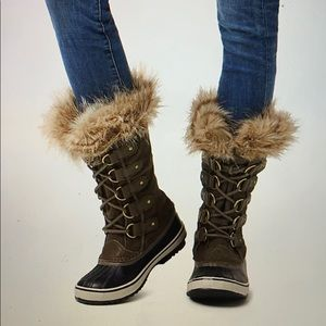 SOREL Women's Joan of Arctic Boot - Size 9